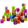 Fa építőkocka betűkkel és számokkal